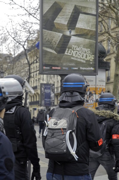 © Jean Pierre Porcher - _DSC0080_1.jpg - FRANCE (Paris) 09/03/2019 Acte XVII Riot police officers take position during a Yellow vests protest in Paris. - protected by IMATAG