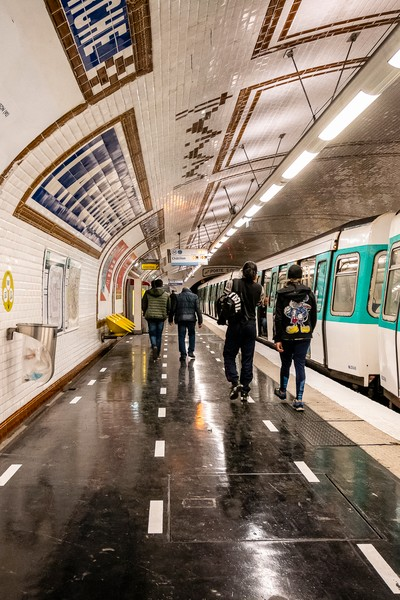 Sylvie HUMBERT/REA - Mesure COVID 19 metro Paris - Station test La Fourche a Paris - protected by IMATAG