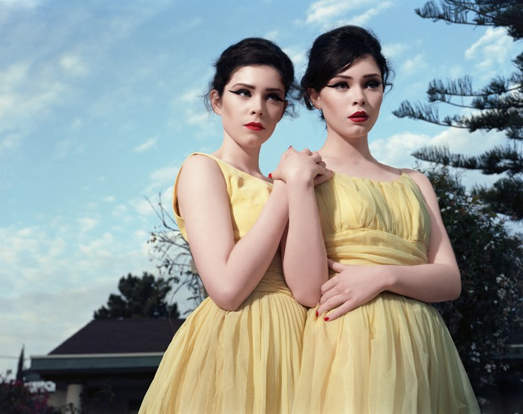 Amandine BESACIER - Prom Night - Portrait of Melynda Sherill and Michelle Sherill, American models. Portrait de Melynda Sherill et Michelle Sherill, modèles américaines.Los Ang… - protected by IMATAG