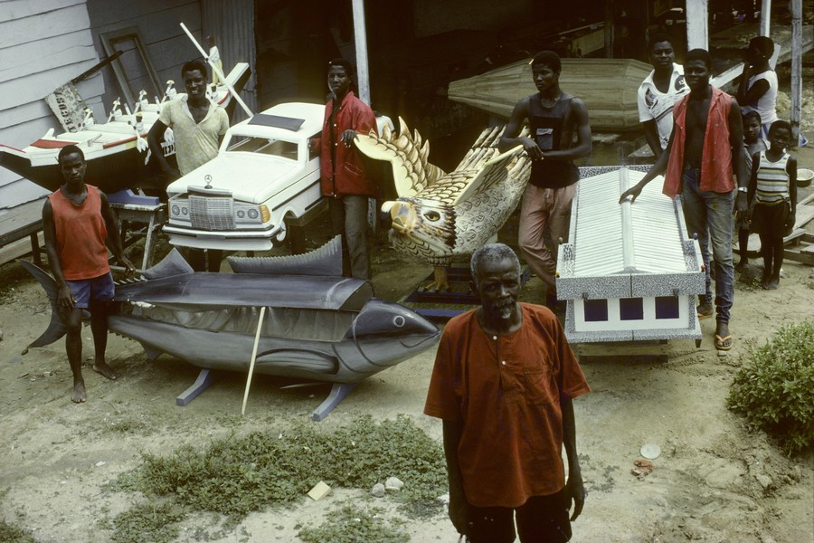 © Thierry Secretan - Kane Kwei, the coffin maker of Ghana (1922-1992) - protected by IMATAG