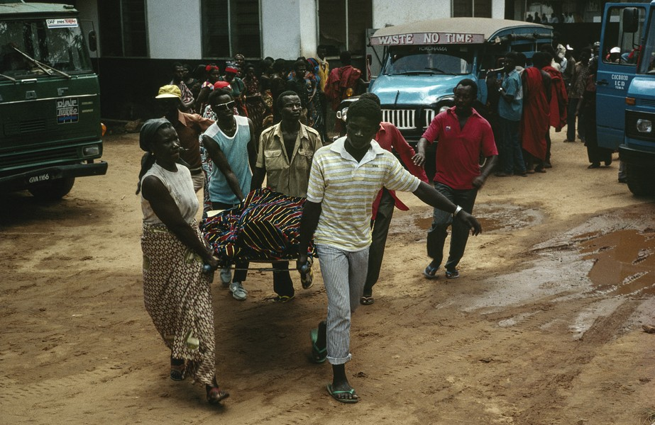 © Thierry Secretan - Accra mortuary, Ghana - An eagle coffin containing the body of the chief of Pokoasi, Ghana, on its way to the grave. 1988 - protected by IMATAG