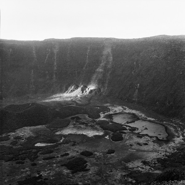 Thierry Secretan - Crater in Azores - The crater of Faial volcano on the Azores archipelago in the Atlantic Ocean, Portugal, 2006 - protected by IMATAG