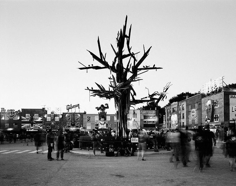 Jean-Jacques BERNIER - CROWN-TREE.jpg - protected by IMATAG