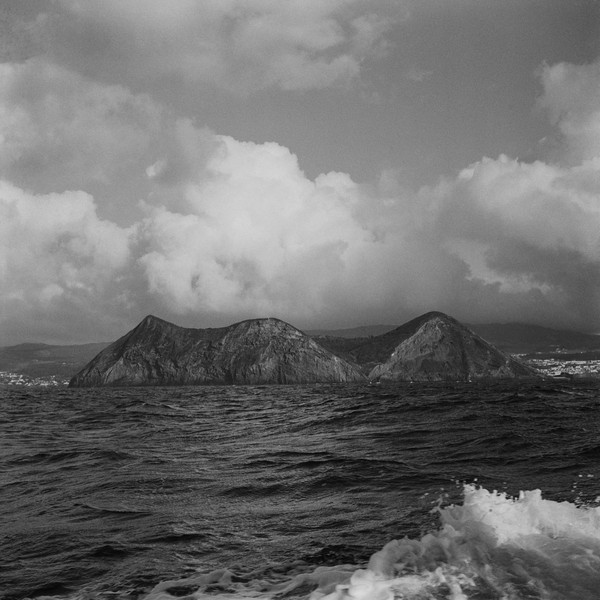 Thierry Secretan - Monte Brazil, Angra do Heroismo, Terceira - Monte Brazil hides the harbour of Angra do Heroismo on the island of Terceira, Azores, Portugal, 2005 - protected by IMATAG