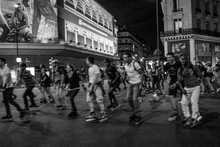 Thierry Secretan - ROLLER BY NIGHT IN PARIS - RollerS in Paris by night - protected by IMATAG
