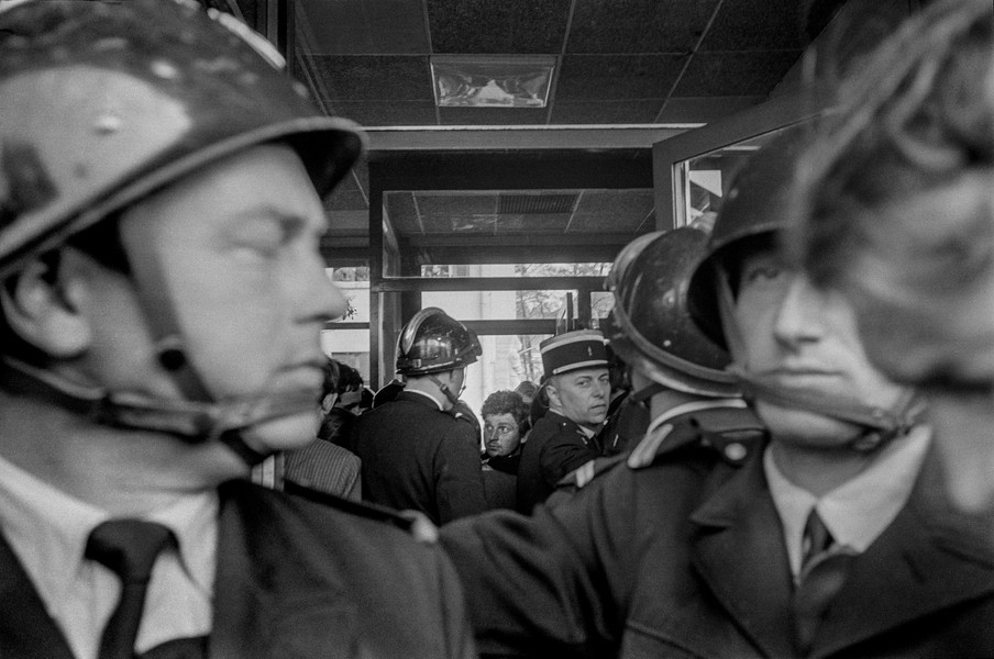 Alain Noguès - May 68 - Daniel Cohn-Bendit, known as Dany The Red, is arrested by the French police in Aachen as he attempts to reenter France on the 25th of May 1968. - protected by IMATAG