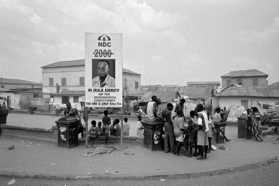 © Thierry Secretan - Electoral billboard Ghana 2000 - An electoral billboard in Jamestown, Ghana, during the 2000 elections. - protected by IMATAG