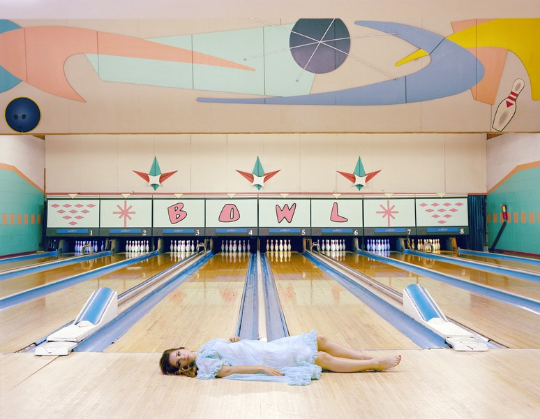 Amandine BESACIER - The Bowling Alley - Portrait of Stephanie Farugia, American actress.Portrait de Stephanie Farugia, actrice américaine.Los Angeles - protected by IMATAG