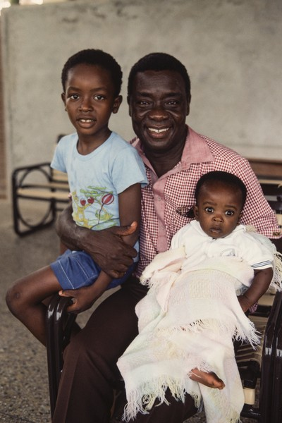 Thierry Secretan - Robert Occran - Robert Occran and two of his children - protected by IMATAG